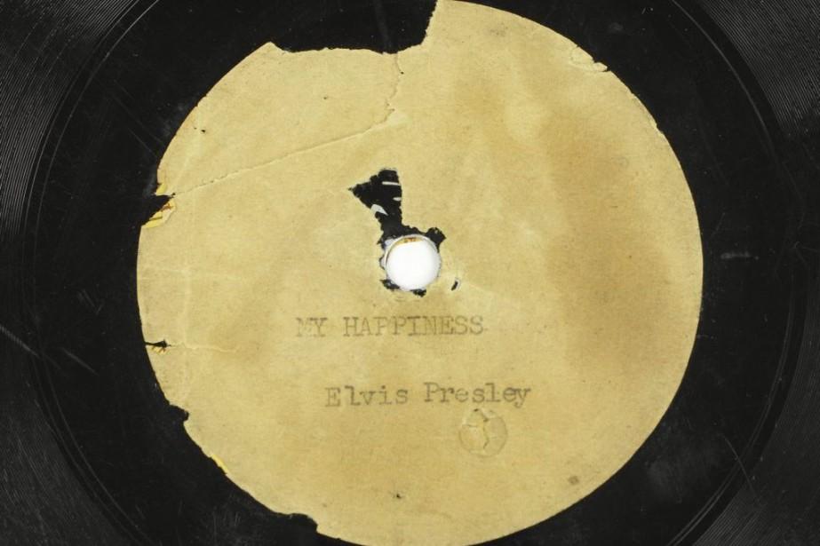 Le premier disque jamais enregistré par Elvis Presley - un cadeau... (Photo: AFP)