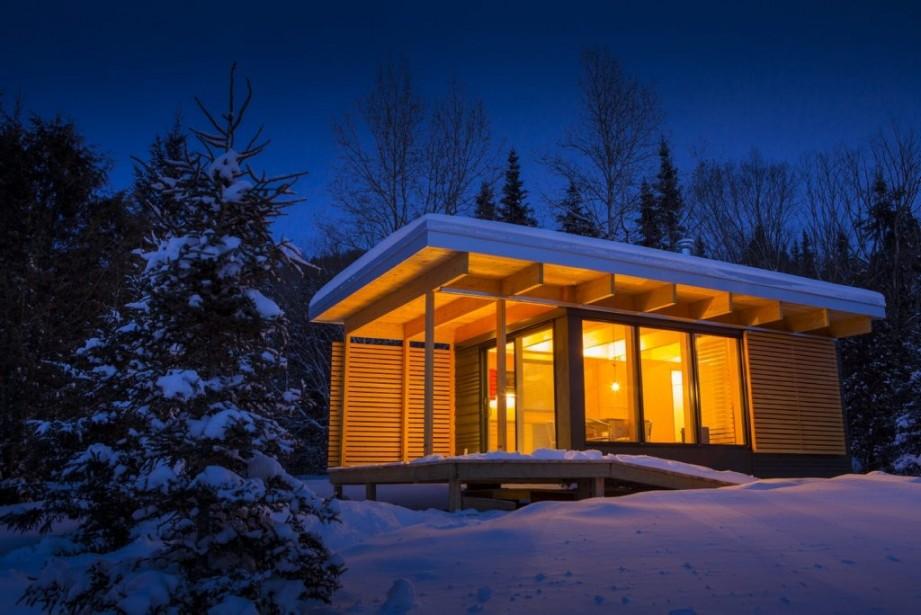 Depuis un peu plus d'un an, la SEPAQ offre à l'année un nouveau type d'hébergement qui permet de dormir dans la forêt en tout confort, peu importe la saison. (PHOTO FOURNIE PAR LA SEPAQ)