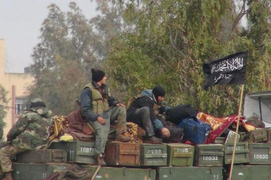Des combattants du Front al-Nosra dans la province... (PHOTO ARCHIVES AP/ENN)