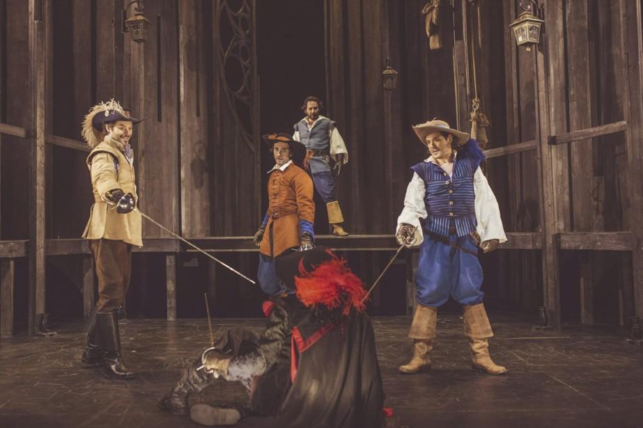 Guillaume Champoux (Aramis), Guillaume Baillargeon (Athos) et Steve... (Photo: Julia C. Vona, fournie par le Théâtre Denise-Pelletier)