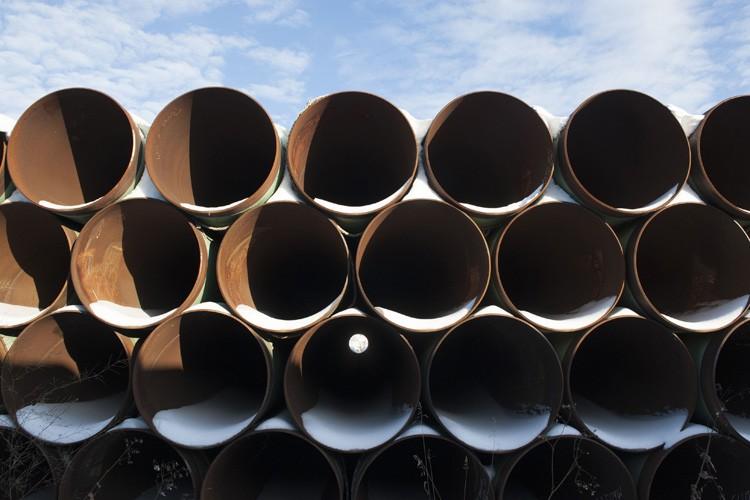 Un peu plus d'un Canadien sur trois soutient le projet d'oléoduc... (Photo: AFP)