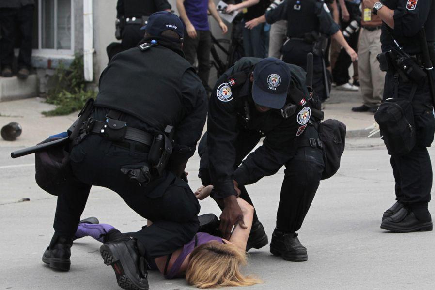 Plus de 1000 personnes avaient été arrêtées lors... (PHOTO ARCHIVES REUTERS)