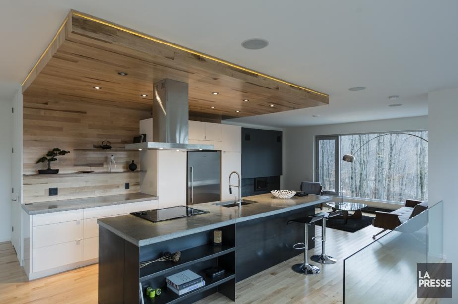 Plafond planche bois maison image id e for Planche en bois pour cuisine