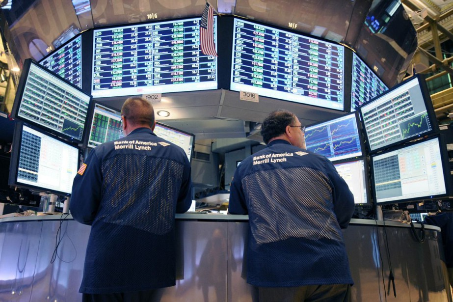 Wall Street a baissé lundi dans un... (Photo Henny Ray Abrams, archives AP)