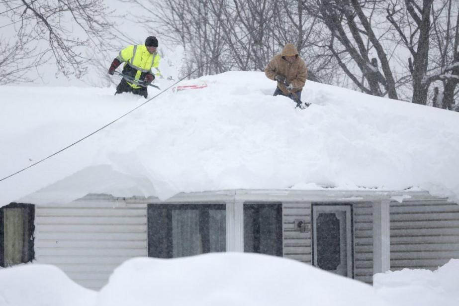 La région de Buffalo a reçupar endroits près... (Photo Mike Groll, AP)