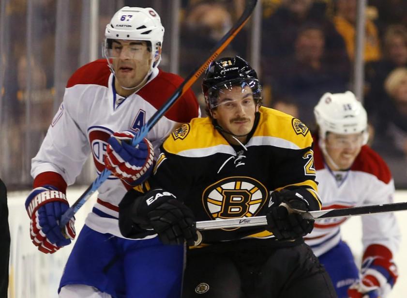 Loui Eriksson des Bruins et Max Pacioretty, à la première période. <strong></strong> (Photo Winslow Townson, AP)