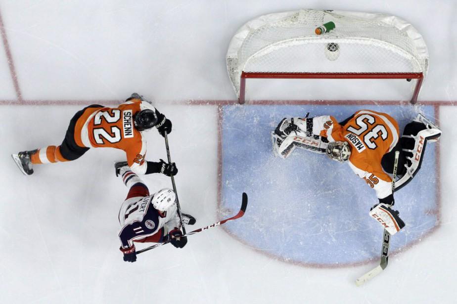Les Flyers de Philadelphie ont mis un frein... (Photo Matt Slocum, AP)