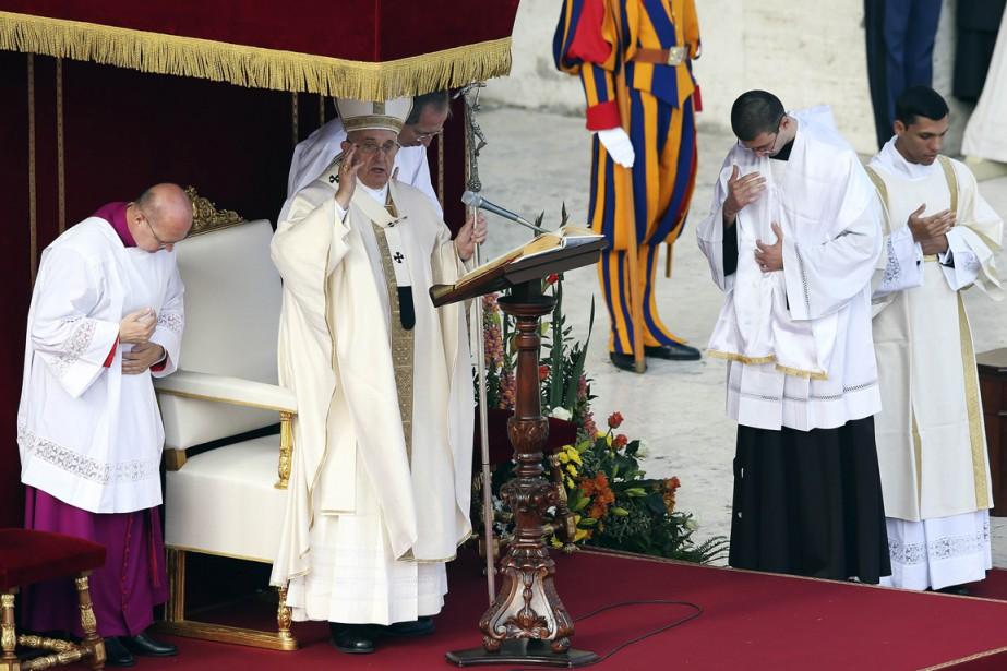 Le pape François... (PHOTO Alessandro Bianchi, REUTERS)
