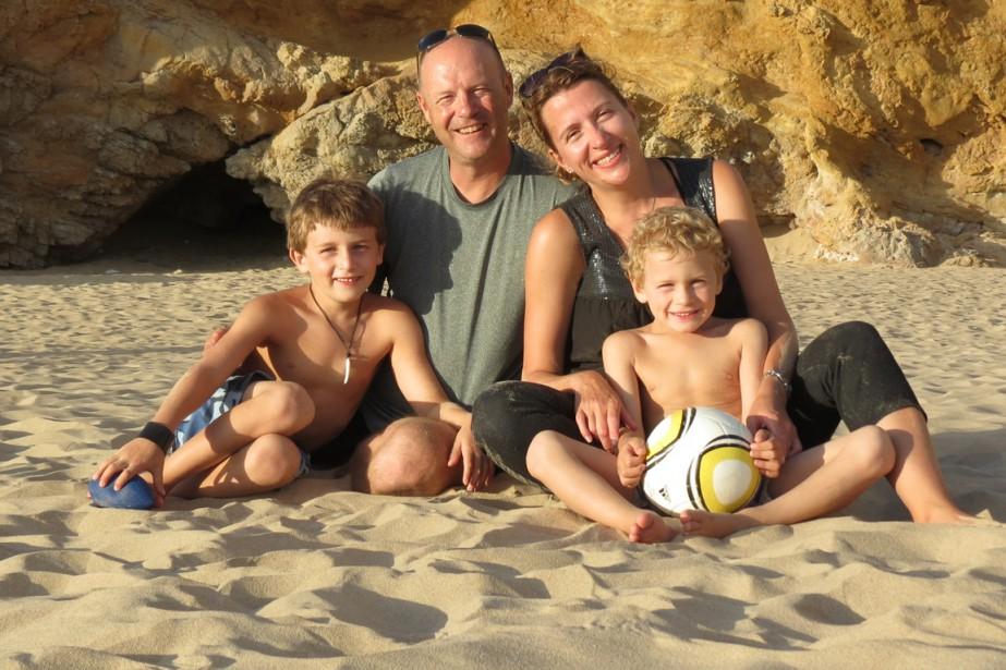 Richard Aubertin, Caroline Huot et leurs fils Alexi... (PHOTO FOURNIE PAR RICHARD AUBERTIN)