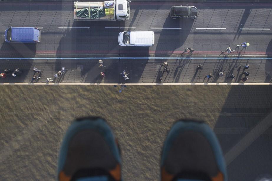 C'est au tour du Tower Bridge de Londres de... (PHOTO ANDREW COWIE, AFP)