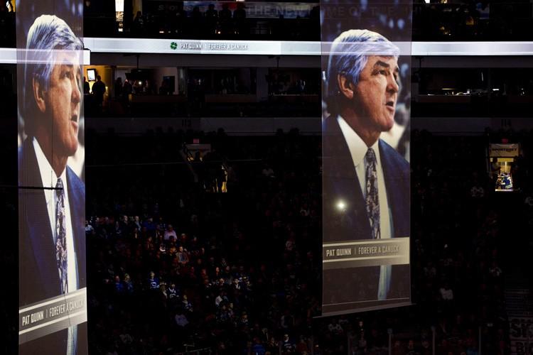 Les Canucks de Vancouver ont brièvement rendu hommage à Pat Quinn,... (Photo: PC)