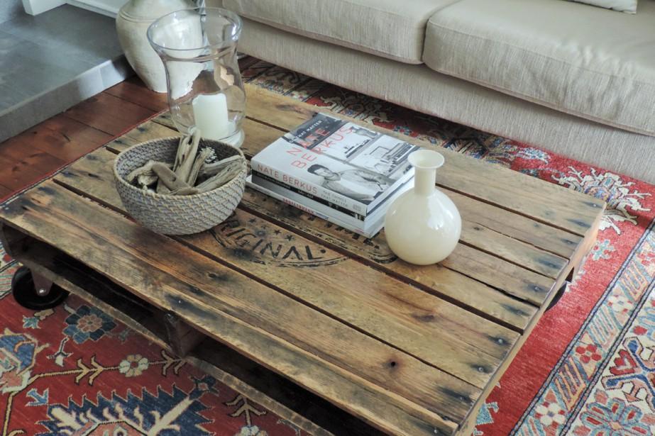 Look industriel et bois de chêne, la John Wayne est une palette transformée en table basse. (Photo fournie par Gabrielle Savoie)