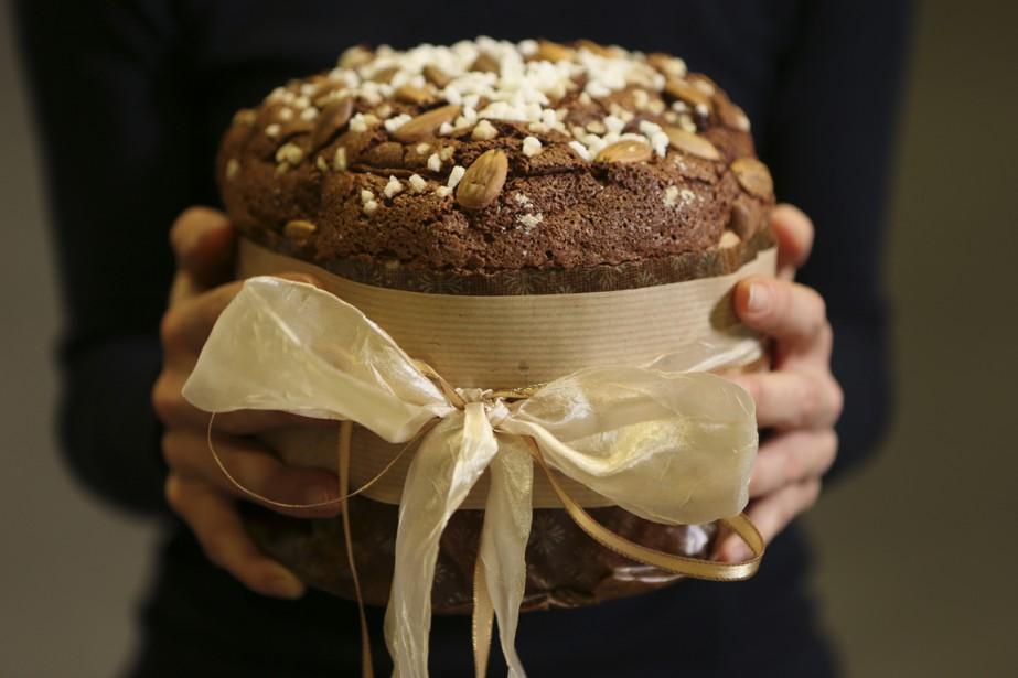 Le panettone est le pain le plus difficile à préparer, selon le boulanger Jeffrey Finkelstein. «Cela prend de la patience, une touche très particulière au pétrissage, du doigté», affirme celui qui offre ce dessert de Noël italien à sa boulangerie Hof Kelsten. (Photo Martin Chamberland, La Presse)