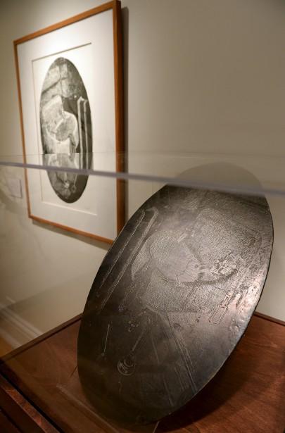 La plaque de linoléum qui a servi à imprimer <em>Sink</em> (Le Soleil, Erick Labbé)