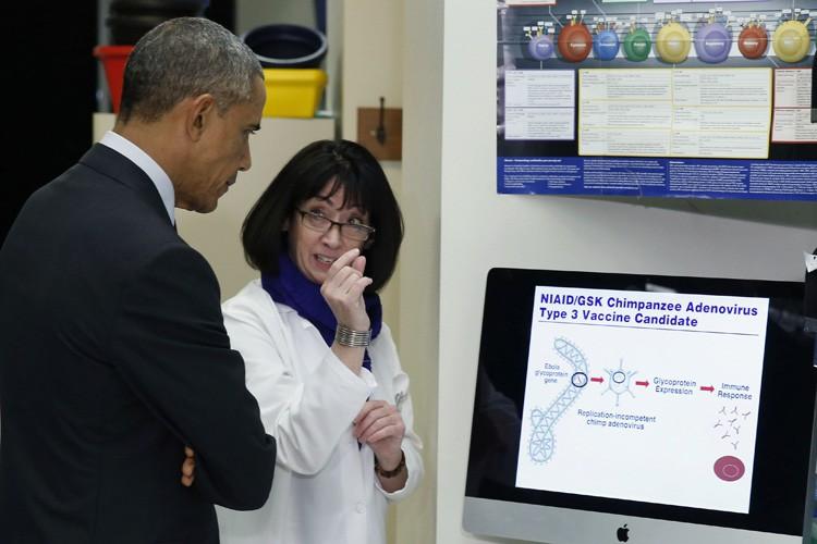 Barack Obama a visité les locaux des Instituts... (Photo: Reuters)
