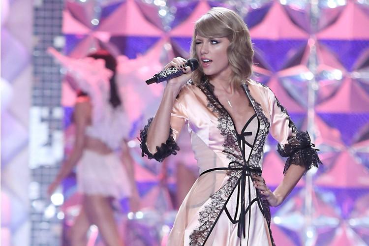 Taylor Swift a chanté lors d'un évènement Victoria's... (Photo: AP)
