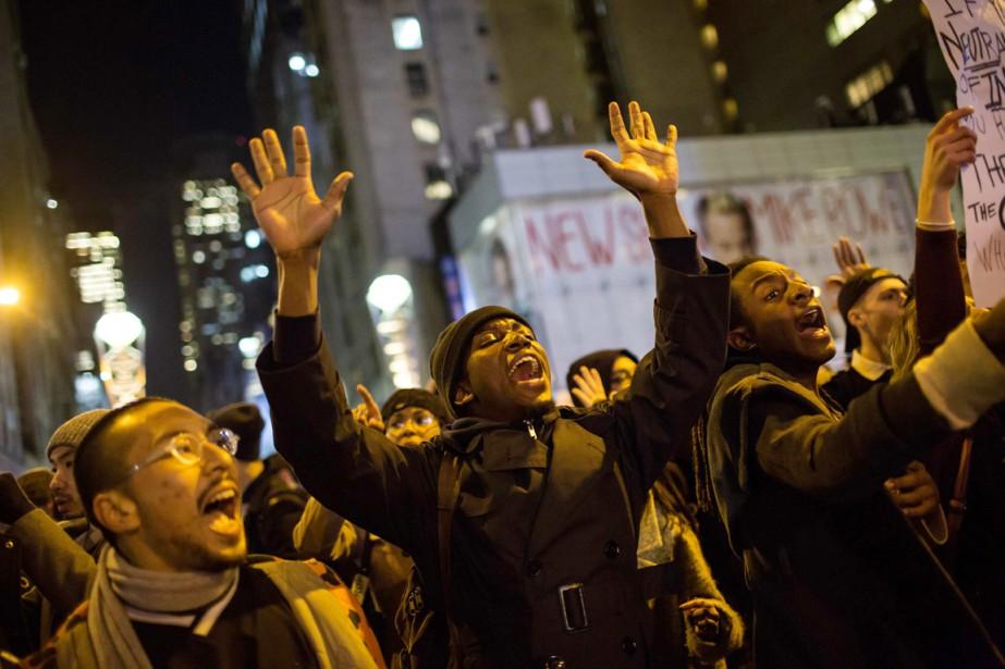 Plusieurs manifestations ont eu lieu dans les rues... (PHOTO Eric Thayer, REUTERS)