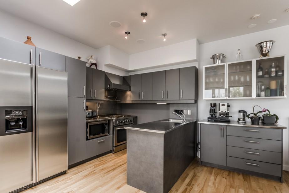 petite italie double penthouse sur trois paliers marie andr e amiot maisons de luxe. Black Bedroom Furniture Sets. Home Design Ideas