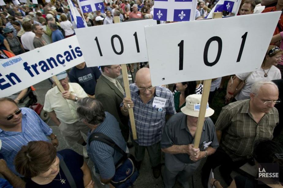 Marche soulignant les 30 ans de la loi... (Photo David Boily, archives La Presse)