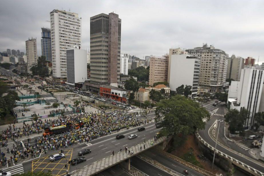 Ces derniers mois, les Brésiliens sont chaque jour... (Photo Miguel Schincariol, AFP)