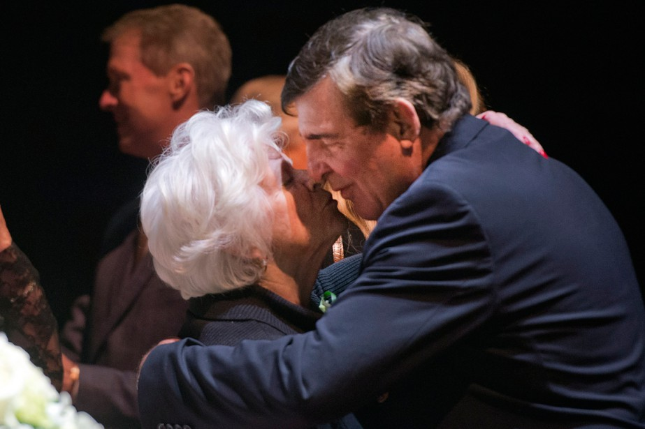 Serge Savard a offert ses condoléances à Mme... (Photo Ryan Remiorz, PC)