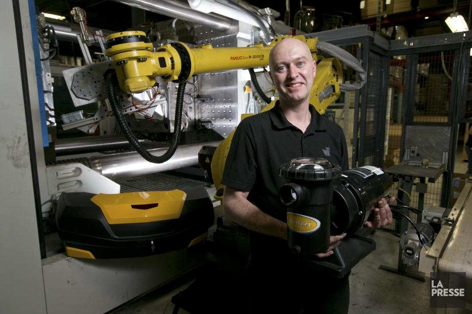 Michel Morin est technicien aux essais de moules... (Photo Hugo-Sebastien Aubert, La Presse)