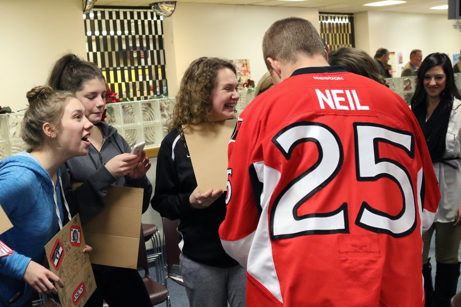 Chris Neil a fait raillonner les sourires. (PATRICK WOODBURY, LeDroit)