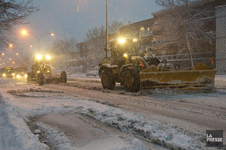 Les flocons ont été particulièrement abondants à Montréal,... (PHOTO PATRICK SANFAÇON, LA PRESSE)