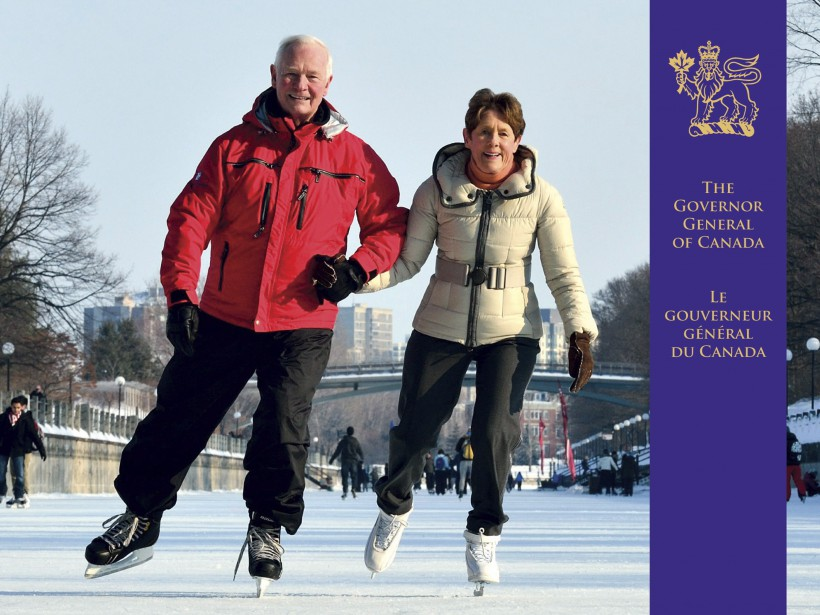 David Johnston patine avec sa femme Sharon sur le Canal Rideau. (La Presse Canadienne)