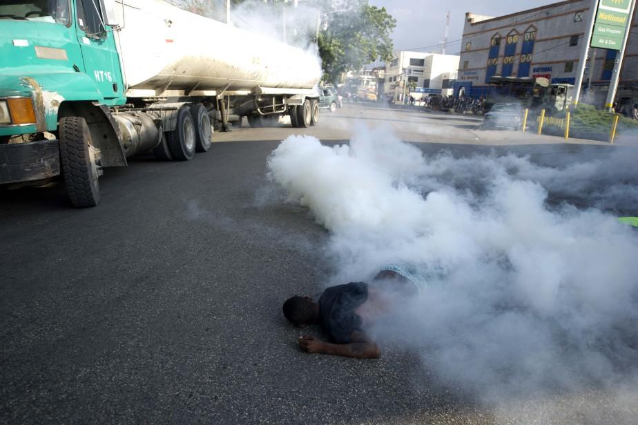 Des incidents ont éclaté dans la manifestation à... (Photo HECTOR RETAMAL, AFP)