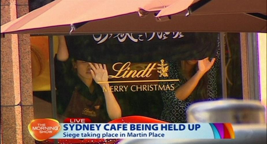 La prise d'otages de Sydney résumée en quelques... (PHOTO CHANNEL 7/AP VIDEO)