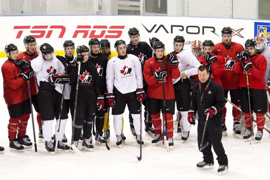 Une équipe plus âgée, des joueurs qui bloquent... (Photo Nathan Denette, PC)