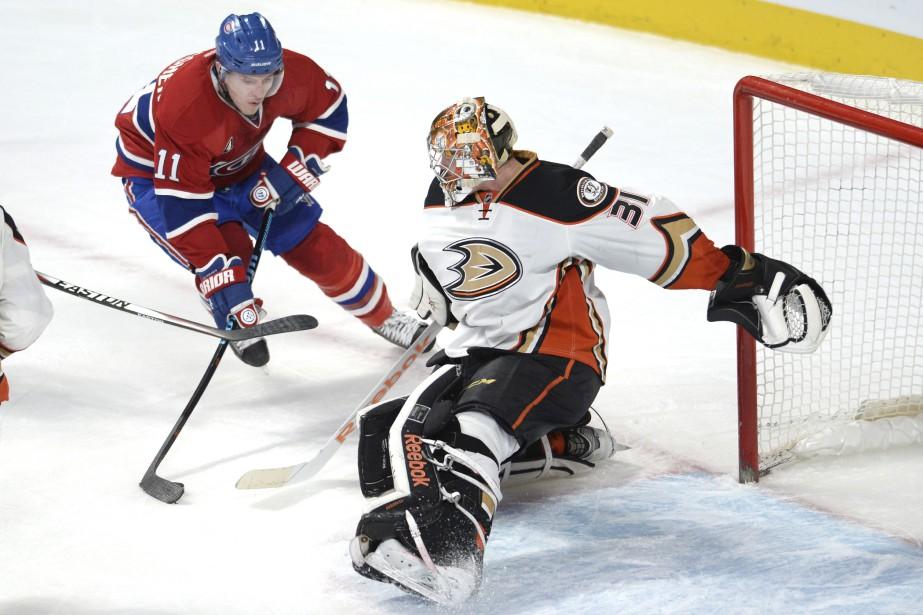 Le gardien des Ducks est resté vigilant. (Photo Bernard Brault, La Presse)