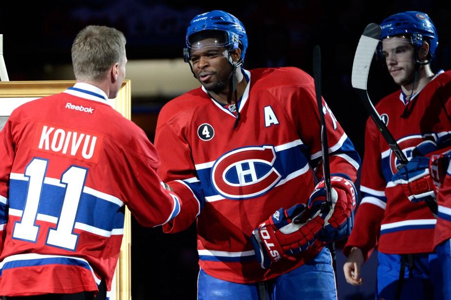 Tous les joueurs du Canadien, dont P.K. Subban, ont serré la main de Saku Koivu avant la rencontre. (Photo Bernard Brault, La Presse)