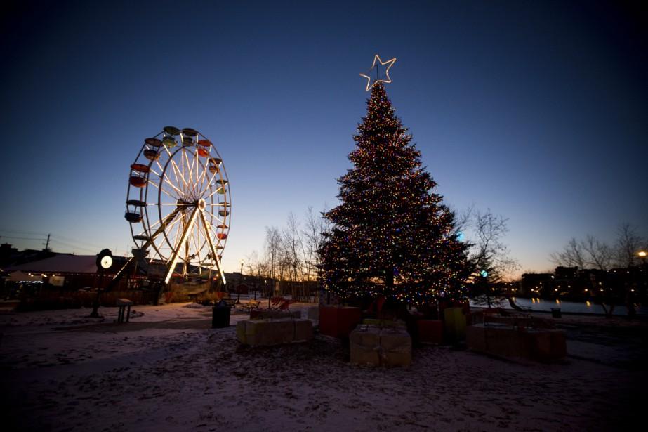 La grande roue demeure l'emblème du Marché de Noël de Sherbrooke. (Photo François Roy, La Presse)