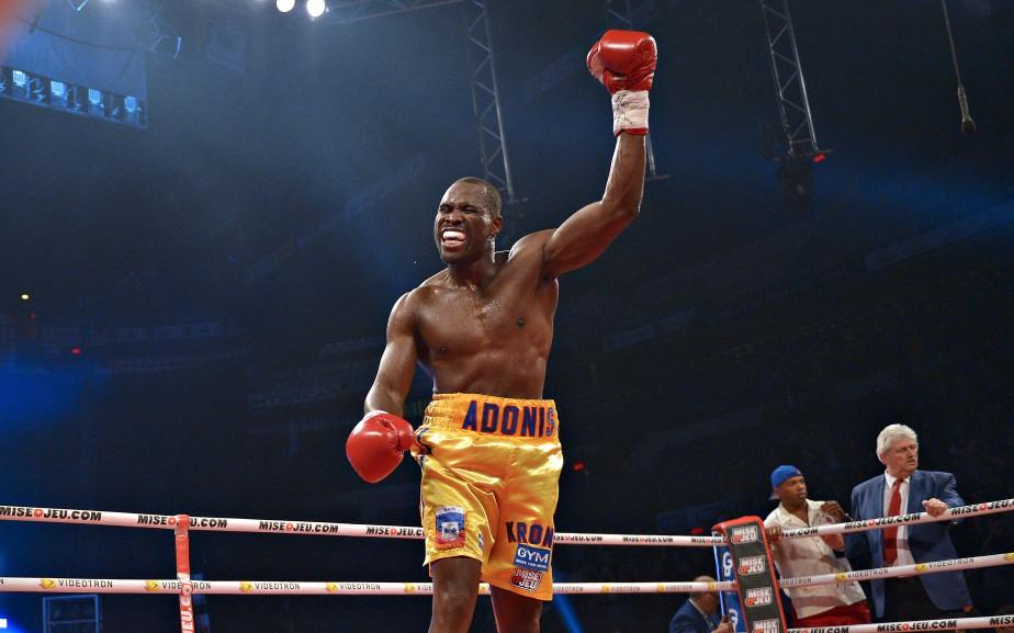 Avec sa victoire,Adonis Stevenson a conservé son titre de champion du monde des poids mi-lourds de la WBC. (L Soleil, Yan Doublet)