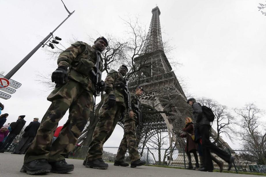 «Nous voulons protéger et rassurer les Français, et... (Photo Gonzalo Fuentes, REUTERS)