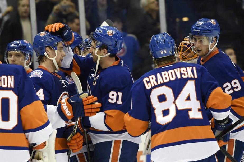 Les Islanders se sont remis à gagner, mais... (Photo Kathy Kmonicek, ASSOCIATED PRESS)