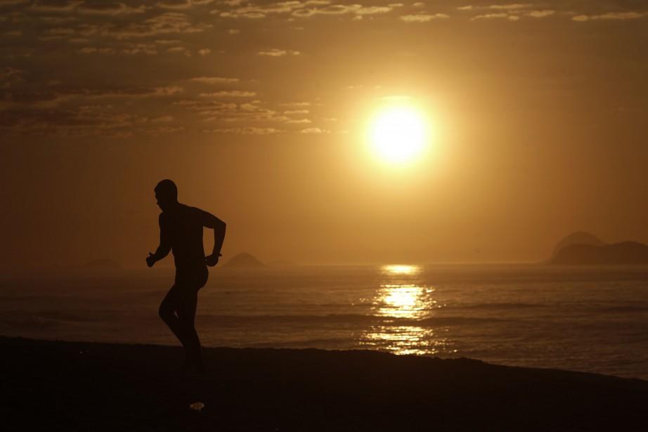 La foudre est tombée sur la plage touristique... (Photo RICARDO MORAES, Archives Reuters)