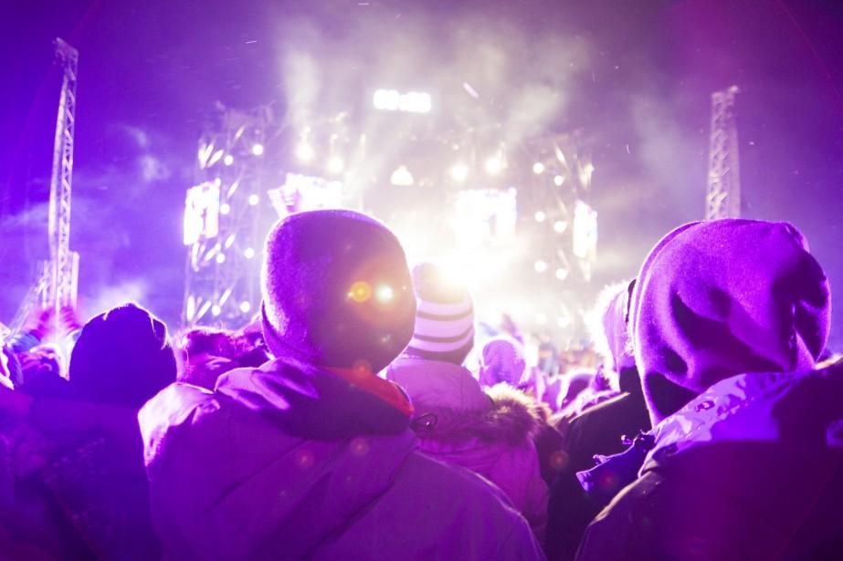 Les célébrations du Nouvel An à Québec ont attiré des milliers de personnes. (Photo Le Soleil Caroline Grégoire)