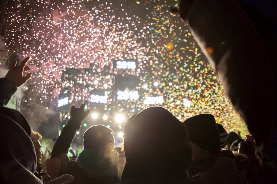 Des milliers de personnes s'étaient données rendez-vous sur Grande Allée pour accueillir 2015 et dire aurevoir à 2014, dans la nuit du 31 décembre au 1er janvier. | 2 janvier 2015