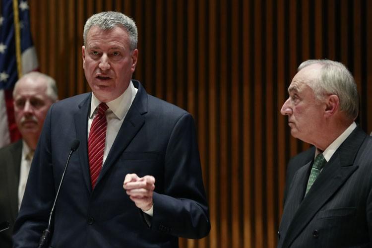 Le chef de la police new-yorkaise Bill Bratton,... (Photo: Reuters)