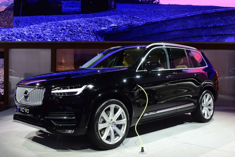 volvo xc90 hybride puissant et propre denis arcand volvo. Black Bedroom Furniture Sets. Home Design Ideas