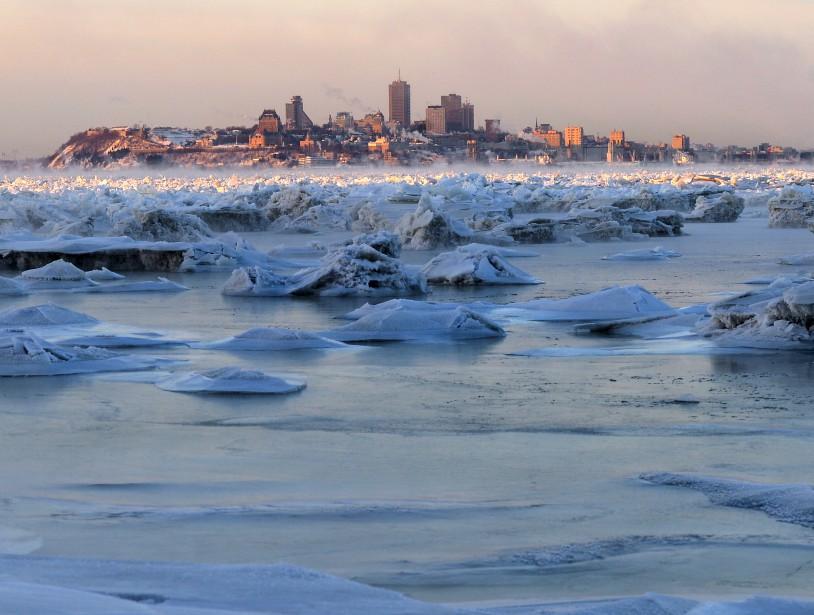 À Québec, mardi, le mercure indiquait -26,1°C, tout près du record de froid de -27,2°C pour un 6 janvier, établi en 1994. | 6 janvier 2015