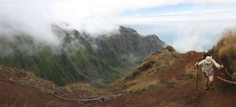 Quand la brume se lève, la côte de Na Pali se dévoile, ce qui ne manque pas de régaler les yeux des visiteurs. (Photo Sylvain Sarrazin, La Presse)