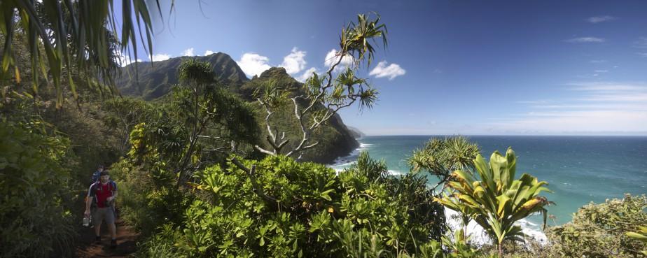 Quelle soit effectuée en totalité ou seulement en partie, la randonnée de Kalalau révèle toutes les beautés de la nature hawaïenne. (Photo Sylvain Sarrazin, La Presse)