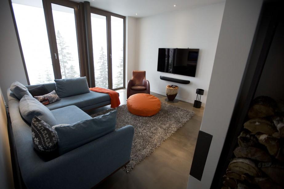 Au rez-de-chaussée, un salon où les habitants peuvent regarder la télévision a été aménagé. (Photo François Roy, La Presse)