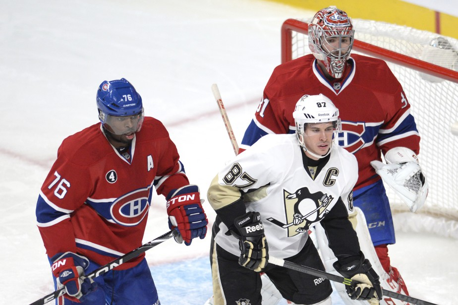 P.K Subban surveille Sidney Crosby devant son gardien Carey Price. (Photo Bernard Brault, La Presse)