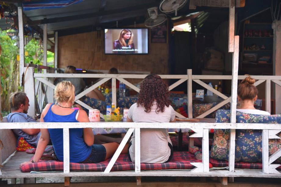 De nombreux établissements ont pris l'habitude de montrer des épisodes de la télésérie <i>Friends</i> aux touristes étrangers. (PHOTO ÉLYSE LÉVESQUE, COLLABORATION SPÉCIALE)