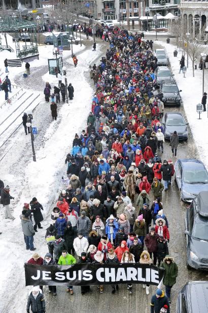 Ils étaient quelque 2000 marcheurs, le 11 janvier à Québec, pour témoigner de leur solidarité au peuple français, rendre hommage aux victimes de l'attentat et dire non à la peur. | 12 janvier 2015